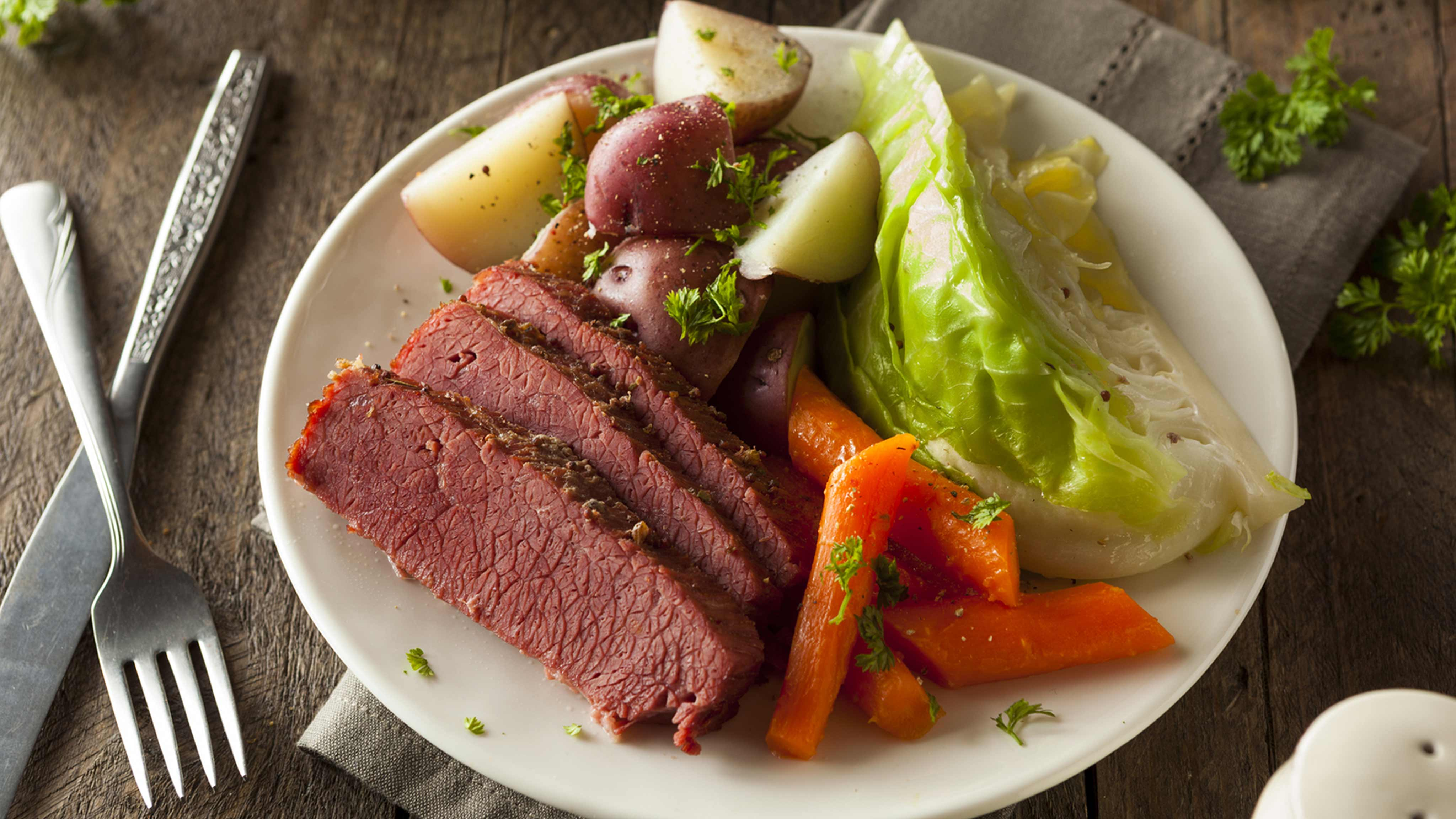 Image for Recipe Homestyle Corned Beef and Cabbage with Red Potatoes