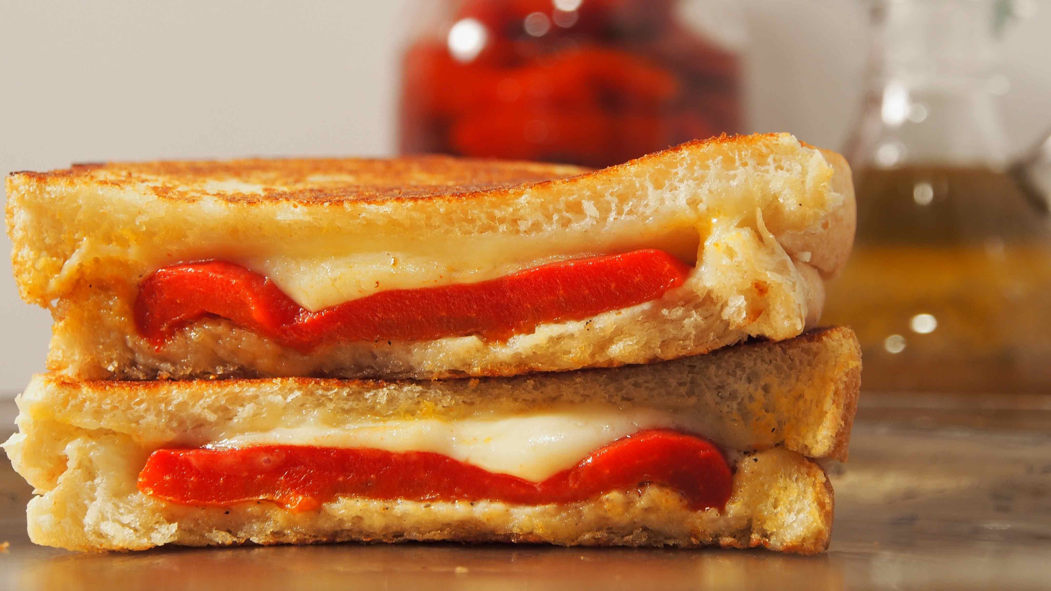 Image for Recipe Roasted Red Pepper Grilled Cheese Sandwich