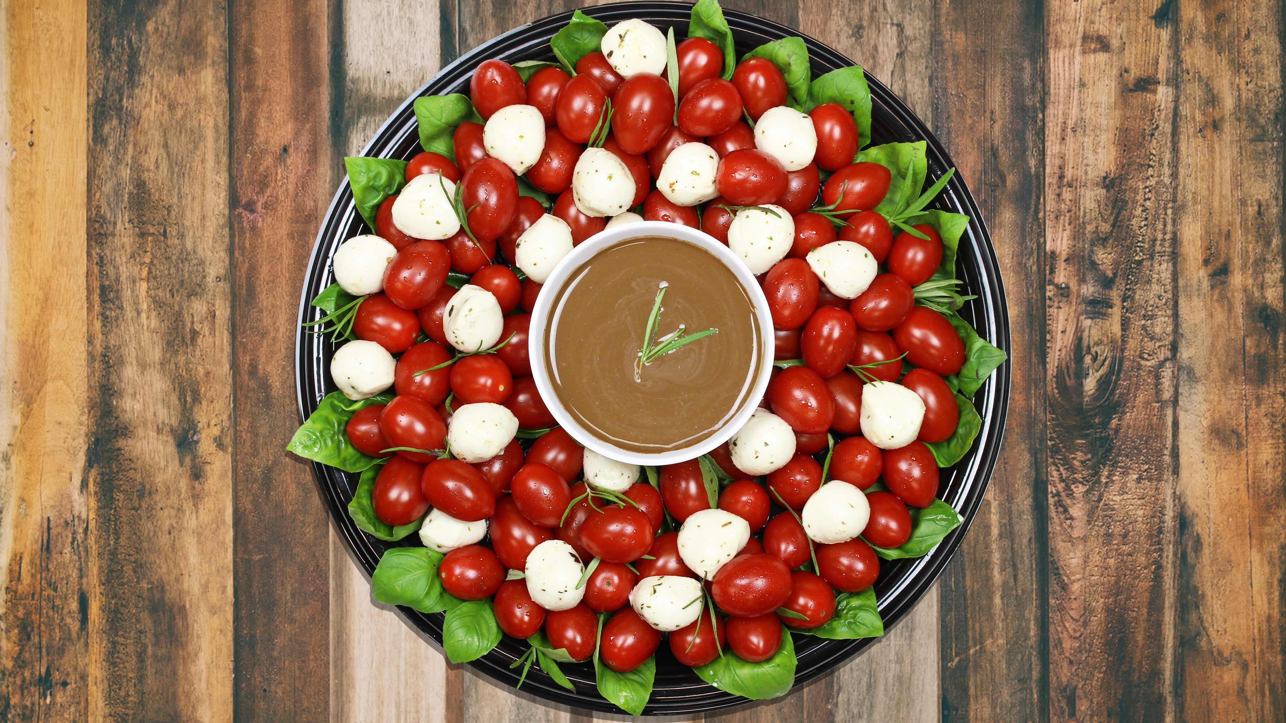 Image for Recipe Caprese Wreath