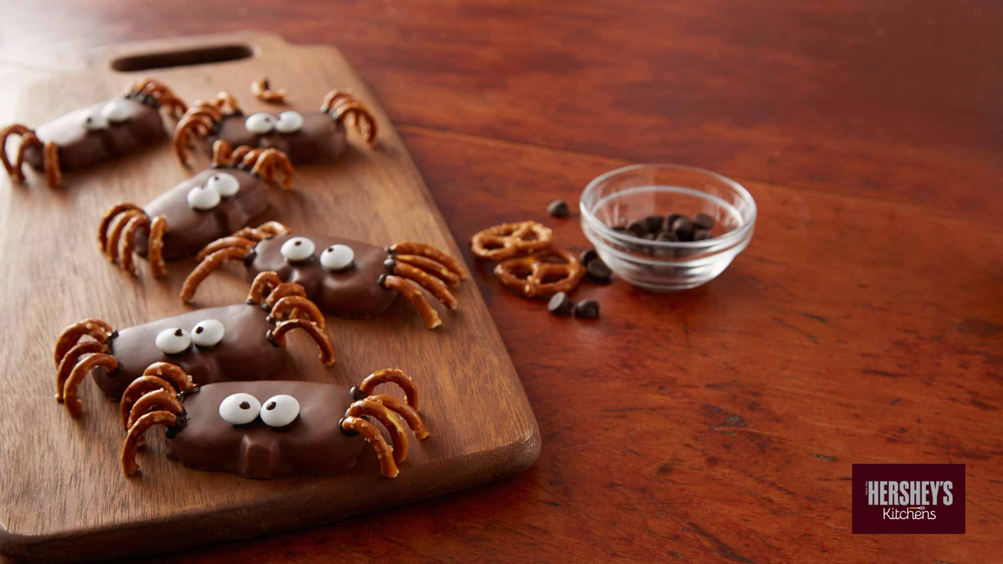 Image for Recipe REESE'S Peanut Butter Pumpkin Spider