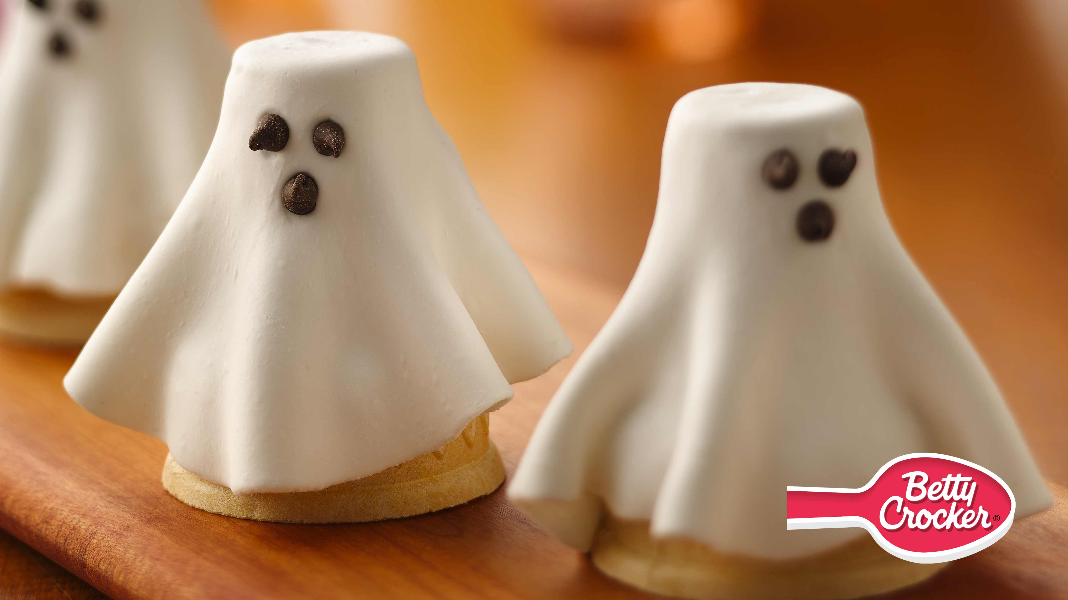 Image for Recipe Halloween Cupcake Cone Ghosts